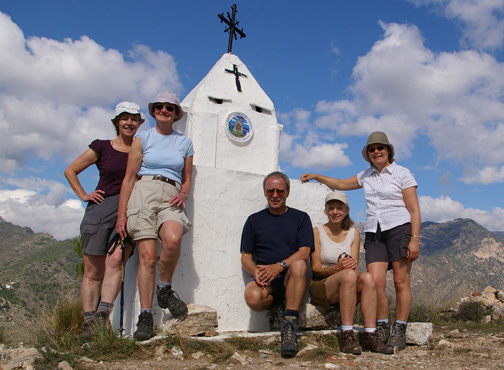 The Dales Trails team on the summit of La Cruz de Pinto/photo by Arnold Underwood, Oct 25th 2007