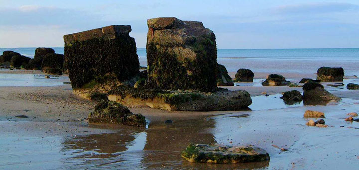 Low tide on Fraisthorpe sands/photo by Arnold Underwood, July 2004
