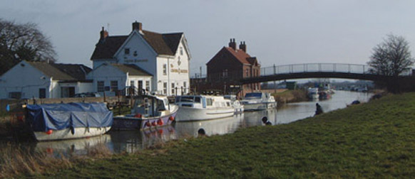 Crown & Anchor at Hull Bridge/photo by Arnold Underwood,Feb 19th 2006