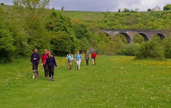 Walking by the River Wye with Monsal Head Viaduct in the background/photo by Arnold Underwood,18th May 2008