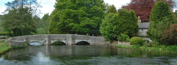 Sheepwash Bridge and the River Wye/photo by Arnold Underwood,May 2005