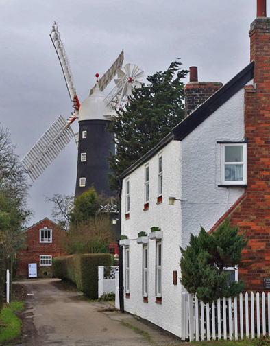 Skidby Windmill/photo by Arnold Underwood
